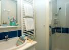 salle de bain chambre résidence la Grande Motte